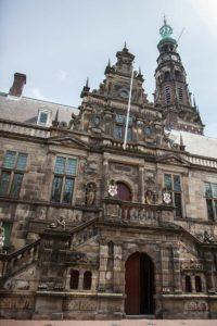 Stadhuis Leiden. De gevel wordt veel gebruikt voor bruidsreportages.
