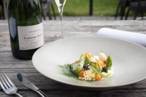 foodfotografie van asperges bij restaurant de dyck
